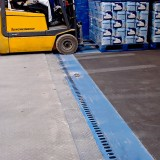 no shunting movements when loaded with a forklift truck