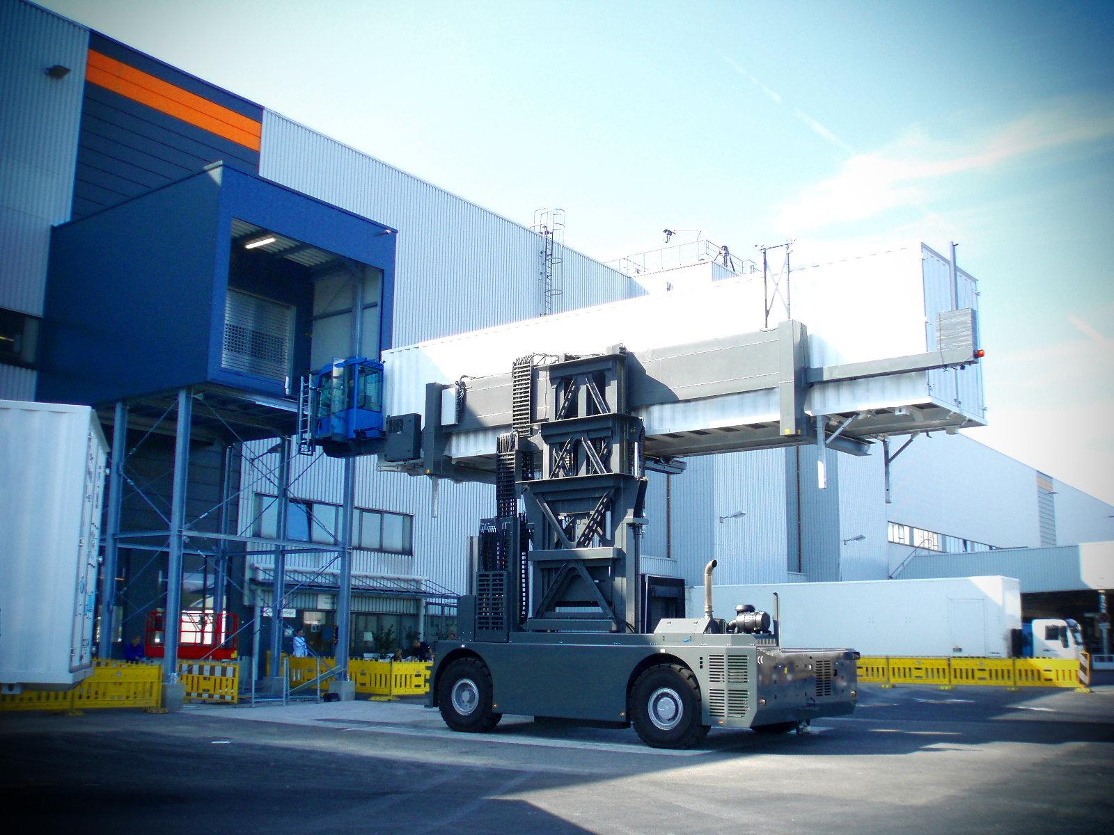 Containerlogistik – eingebaute Torabdichtung