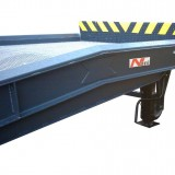 Mobile Loading Ramp/Yardreamp with flaps