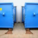 Modernisierung der Containerlogistik – vorher, ohne Torabdichtungen
