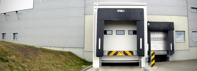 Verladeschleuse für ein Pharmaunternehmen in Sachsen-Anhalt. Modernisierung der Verladerampe