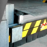 Crash Guard with slats of the underride-apron