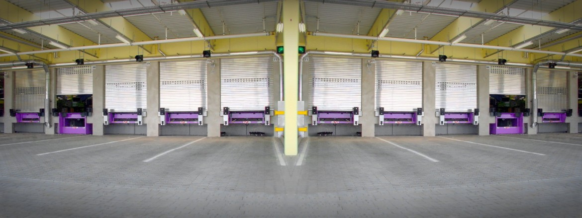 Otto Group – combination of docklevellers with lifting table