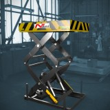 Dock Lift – scissor lifting table in final assembly