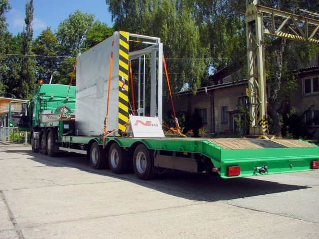 Transport of lifting table