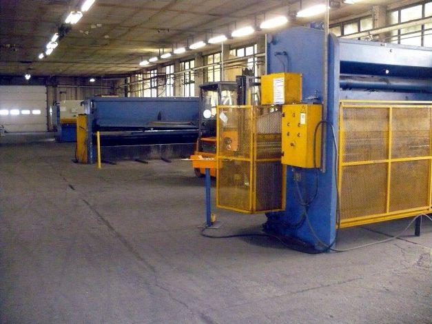 Sheet metal shears and edge bending machines