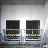 Anfahrschutz-Montage vor den Verladetoren
