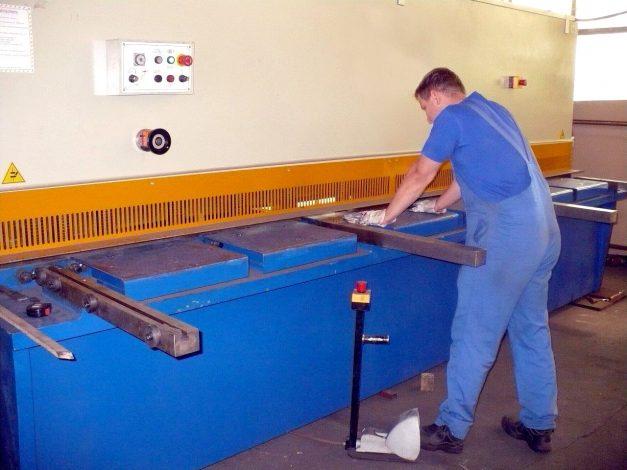 Tafelschere zum Abkanten für Blechzuschnitt