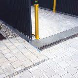 Entwässerungsrinne (Stegrost) vor Autolift