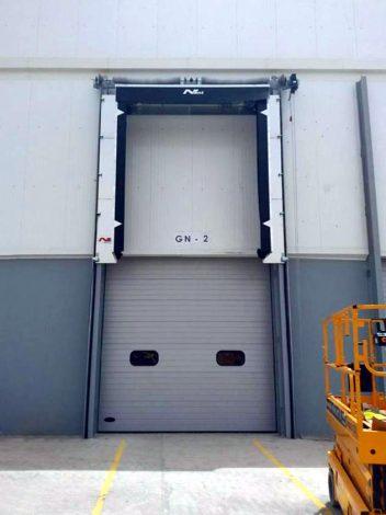 Containerlogistik – geschlossene vertikale Torabdichtung