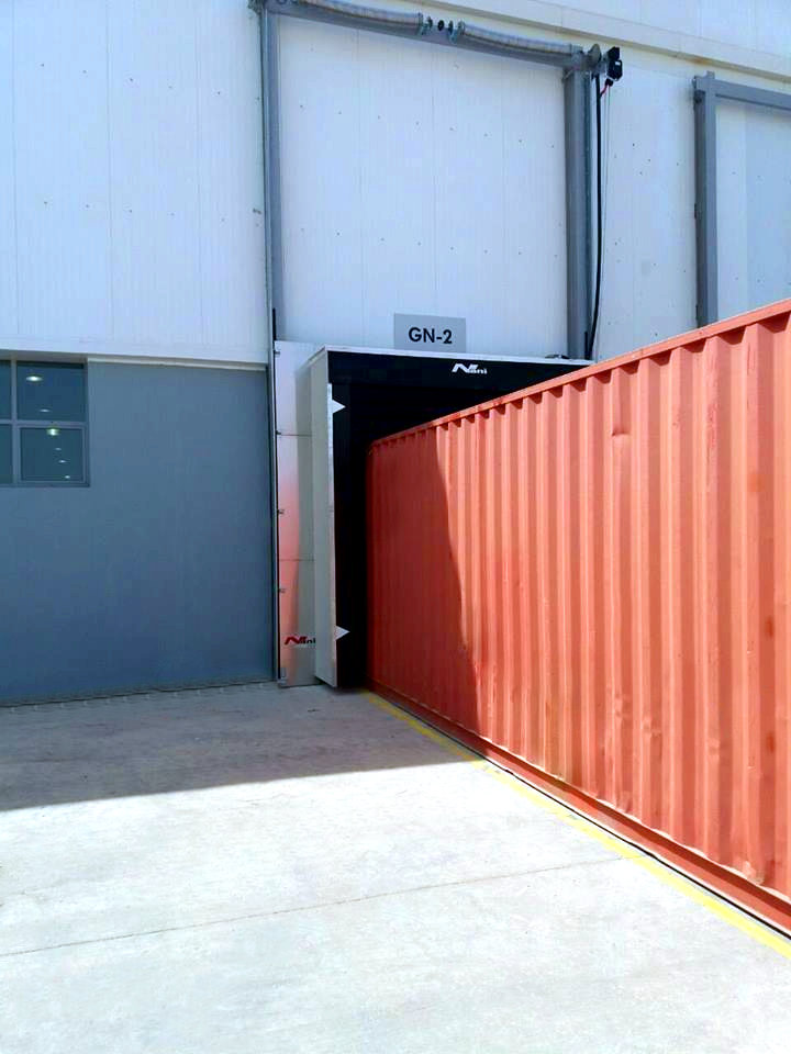 Container Logistics – opened vertical Dockshelter